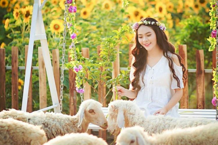 Nữ sinh Hutech bị nhầm là bông hồng lai Thái Lan vì nét đẹp đặc biệt thu hút - Hình 4