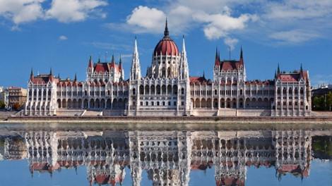 7 thành phố châu Âu tuyệt đẹp đáng để khám phá trong năm 2019 - Hình 2