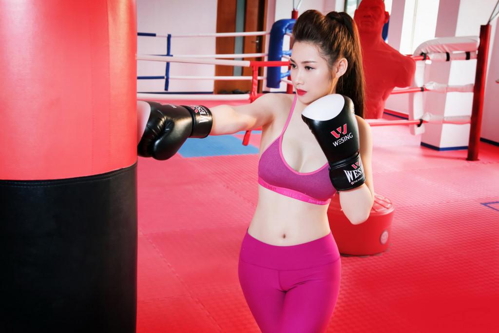 Hotgirl xinh đẹp, gợi cảm phòng gym Đinh Bích Nhạn - Hình 4