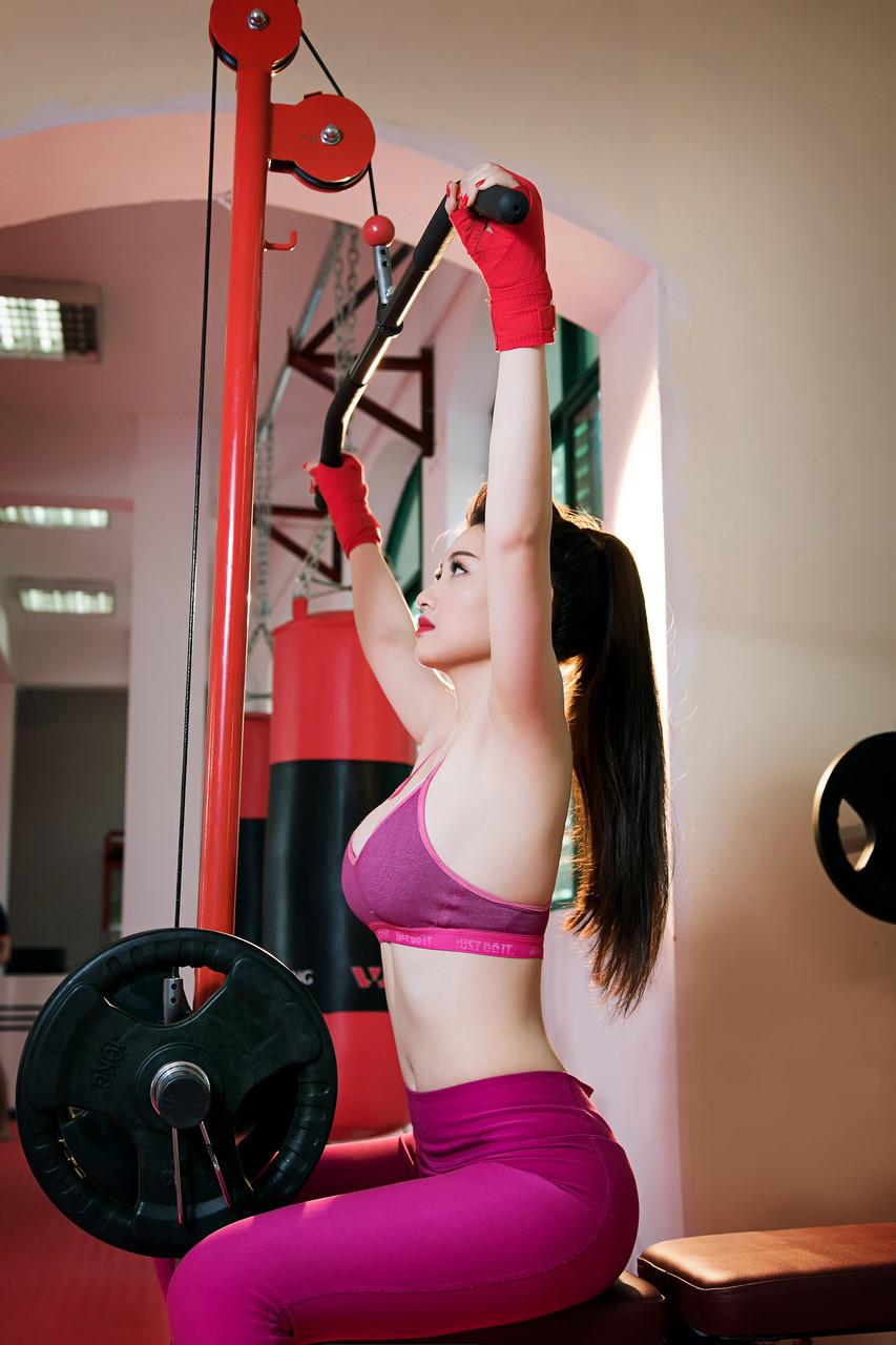 Hotgirl xinh đẹp, gợi cảm phòng gym Đinh Bích Nhạn - Hình 10