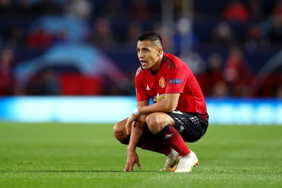 Mourinho hạnh phúc khi Sanchez chấn thương - Hình 10