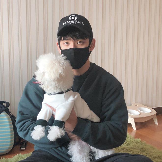 Sốc với bộ gen toàn visual nhà Jisoo (Black Pink): Chị gái đẹp như Han Hyo Joo, anh trai giống Nam Joo Hyuk - Hình 14