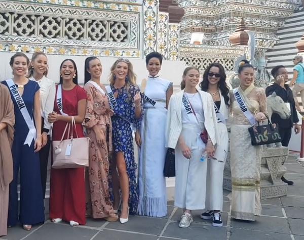 Bắn tiếng Thái khiến người dân phát cuồng, HHen Niê nổi bần bật giữa dàn mỹ nhân Miss Universe 2018 - Hình 3