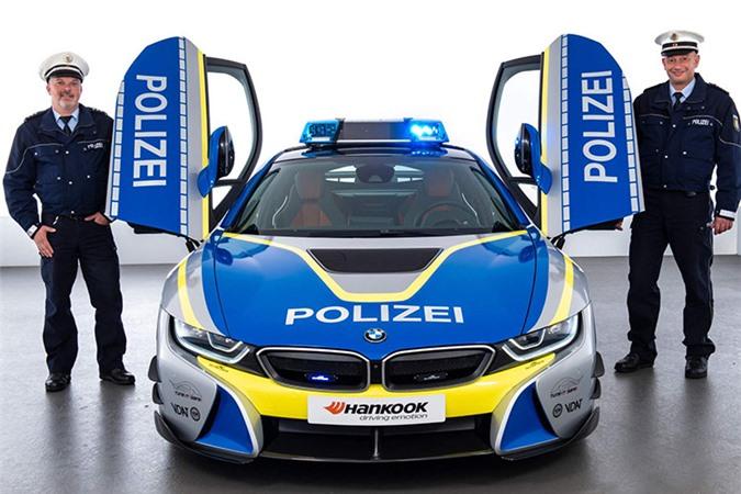 Chi tiết siêu xe BMW i8 Roadster khủng của cảnh sát Đức - Hình 3