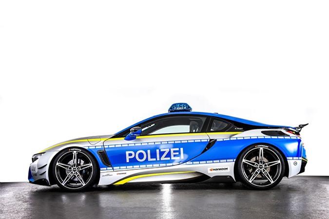 Chi tiết siêu xe BMW i8 Roadster khủng của cảnh sát Đức - Hình 2