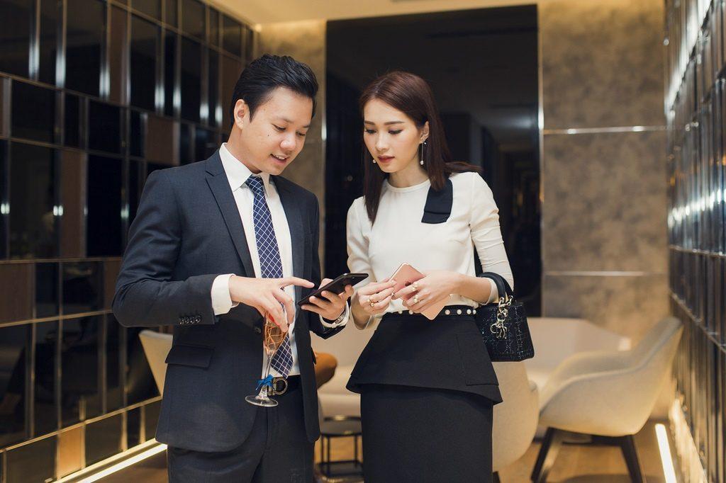 Những cặp đôi nên duyên nhờ mai mối ít ai biết trong showbiz Việt - Hình 4