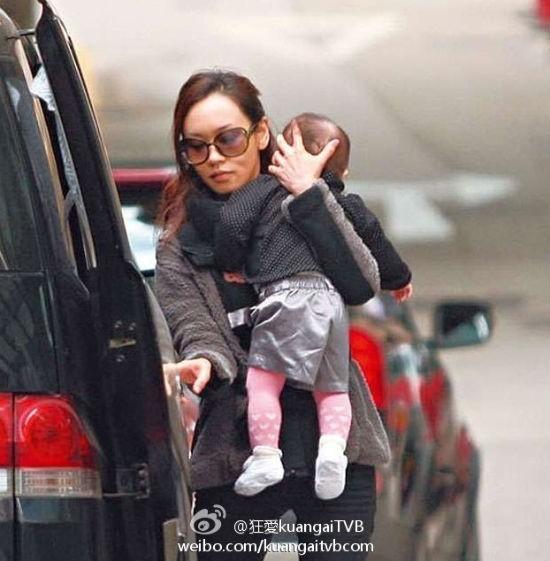 Bất chấp bước vào hào môn, mỹ nhân châu Á lãnh đủ ê chề: Không 1 xu tiền thừa kế, Hoa hậu phải phục vụ quán bar để nuôi con - Hình 8