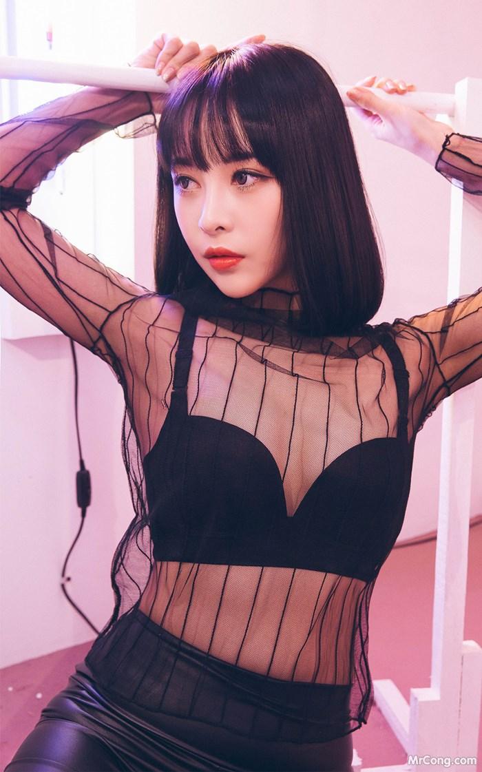 Người đẹp Ryu Hyeonju trong bộ ảnh mặc bra với thân hình quyến rũ,đường cong hoàn hảo - Hình 20
