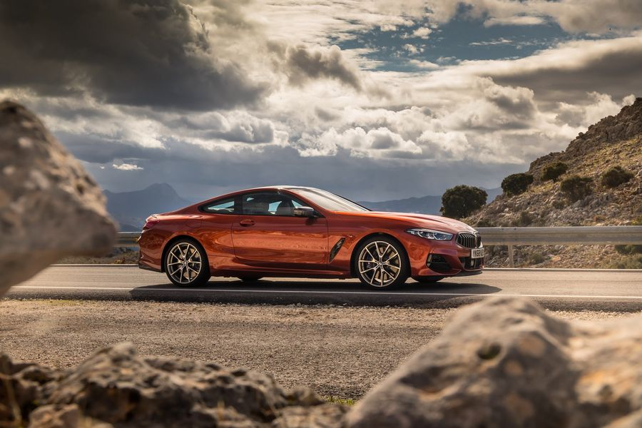 BMW 8-Series 2019 chính thức mở bán tại Anh, giá từ 2,26 tỷ VNĐ - Hình 1
