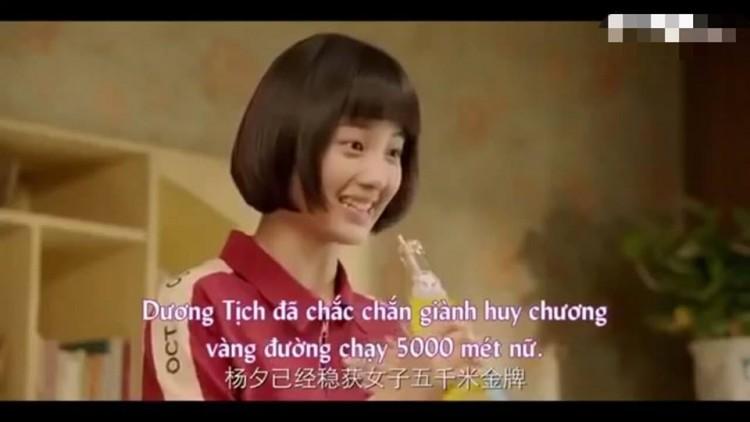 Dương Tịch của 'Sống không dũng cảm uổng phí thanh xuân: Hình mẫu nữ chính ngốc nghếch đáng yêu trong các phim thanh xuân vườn trường - Hình 8