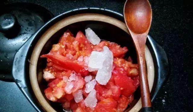 Theo đầu bếp, bạn cũng có thể tự làm một hũ sốt cà chua tại nhà ngon quên sầu để dùng dần chỉ với vài bước cơ bản - Hình 3