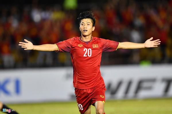 Mối tình kỳ lạ của chàng cầu thủ trẻ Việt Nam sút thủng lưới đội tuyển Philippines - Hình 2