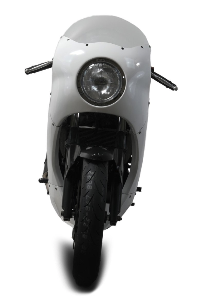 Ngắm ngía vẻ đẹp của bản độ Retro từ Yamaha R25 - Hình 2