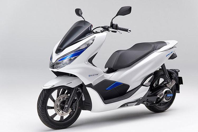 Soi xe ga điện Honda PCX giá 144,5 triệu đồng tại Nhật - Hình 1