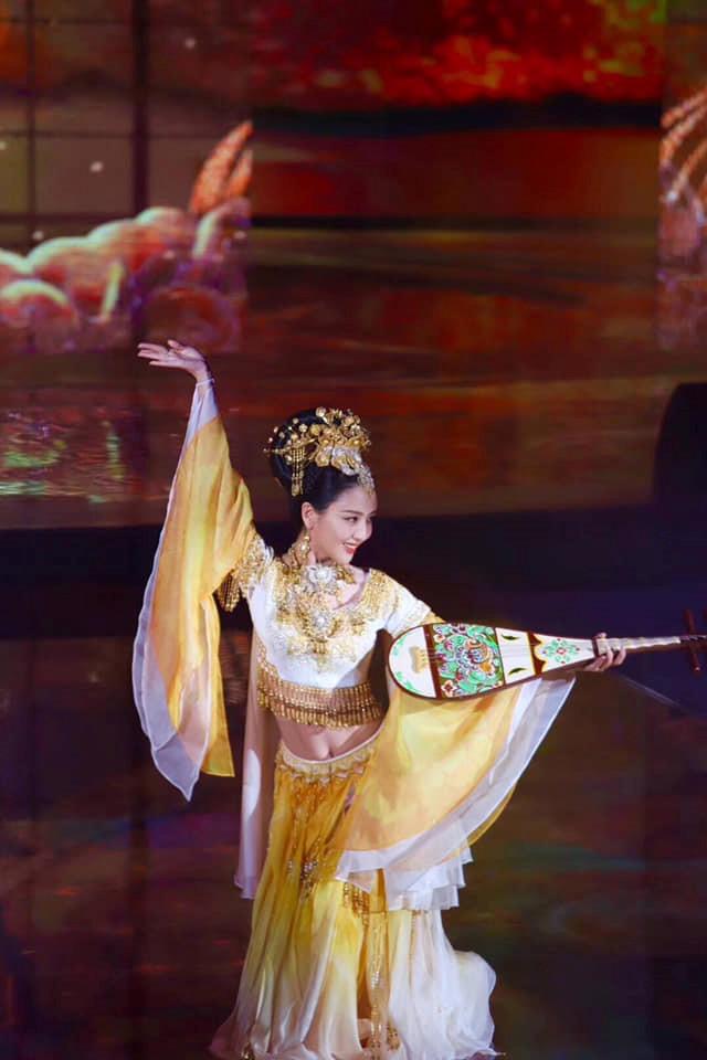 Ảnh Châu Tinh Trì, Dương Mịch và Tạ Đình Phong gây chú ý ở Hoa Biểu - Hình 6