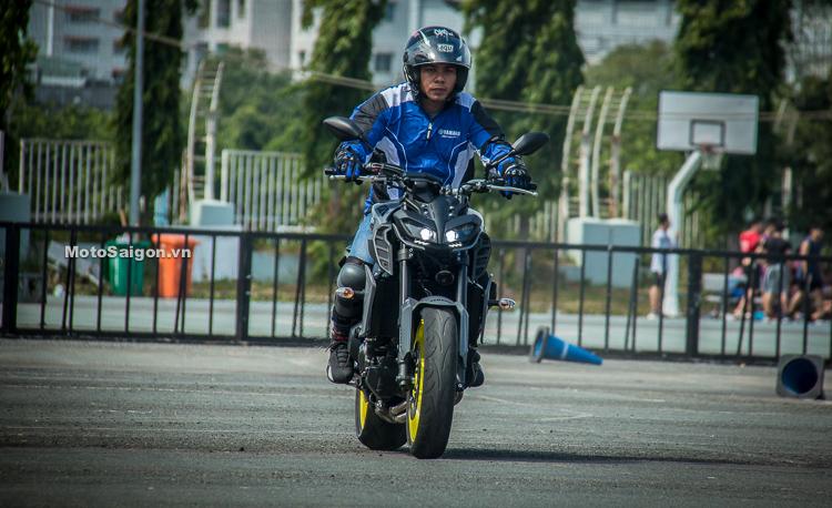 Đánh giá nhanh Yamaha MT-09 và XSR900 đã có giá bán chính hãng - Hình 11