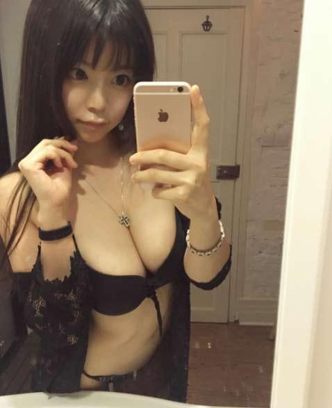 Nóng người xem hot girl Nhật Bản lăn lê giữ dáng