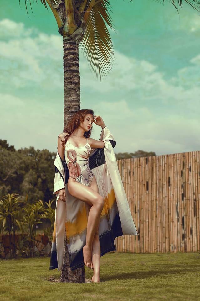 Những hình ảnh quyến rũ đốt mắt của Phương Trinh Jolie