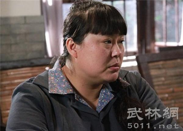 Người đẹp ngàn cân bị chồng bỏ vì quá béo, lột xác xinh đẹp cưới mỹ nam kém 15 tuổi