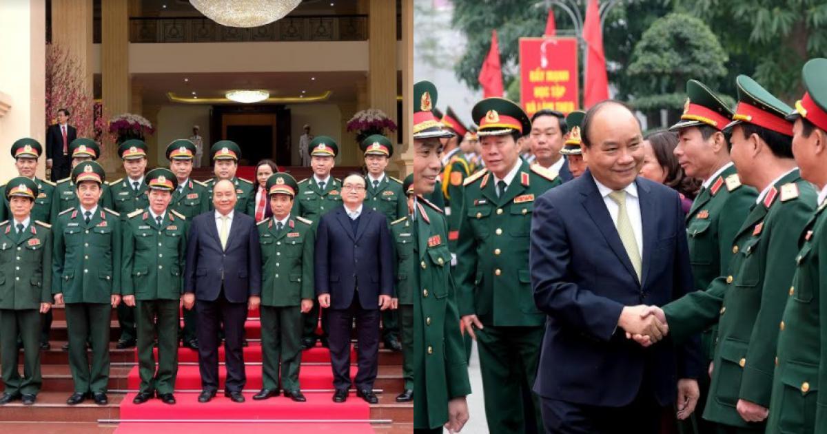 Thủ tướng Chính phủ thăm, kiểm tra công tác ứng trực tại Bộ Tư lệnh Thủ đô