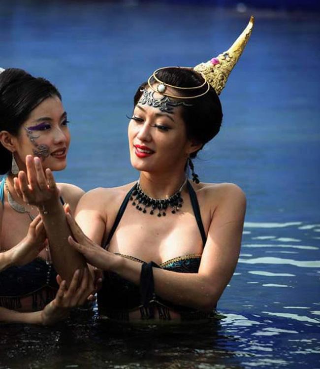 Hé lộ sự thật những cảnh tắm suối trong Tây Du Ký qua nhiều phiên bản
