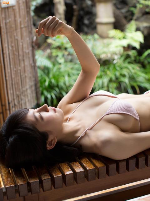 Riho Yoshioka – Gợi cảm mãnh liệt với nét đẹp mong manh