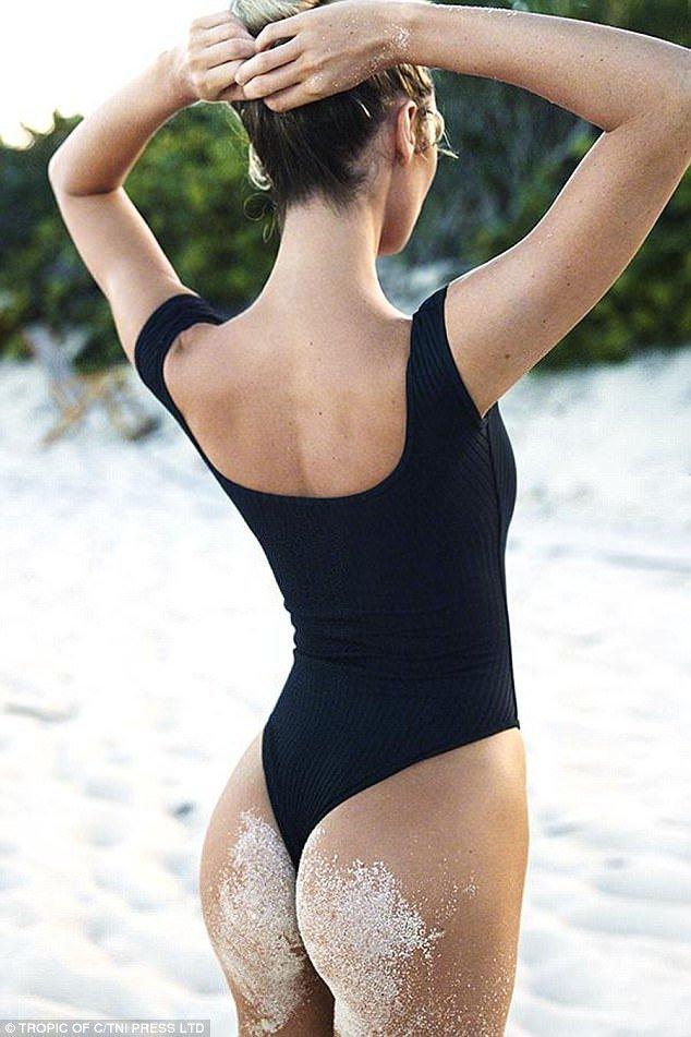 Candice Swanepoel đẹp như mộng với áo tắm gợi cảm - Hình 10