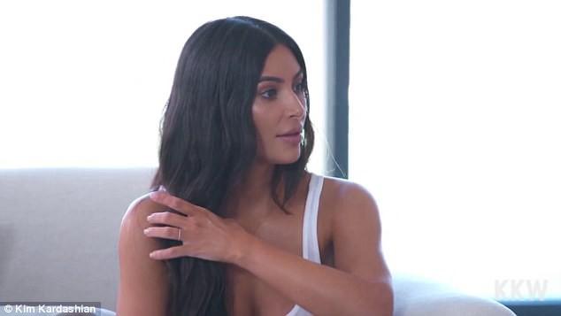 Chụp ảnh cực gợi cảm, Kim Kardashian khoe vòng eo chỉ còn 60 cm sau 2 lần mang thai
