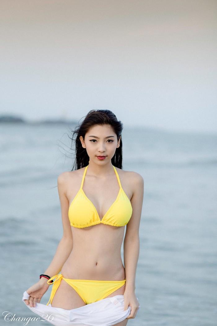Ngẩn ngơ trước nhan sắc xinh đẹp và thân hình gợi cảm của thiên thần Thái Lan