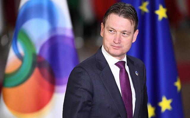 Nói dối về cuộc gặp với Putin, Ngoại trưởng Hà Lan từ chức