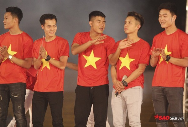 Hà Đức Chinh - Từ siêu quậy đến 'Quý phi' đôn hậu của U23 Việt Nam