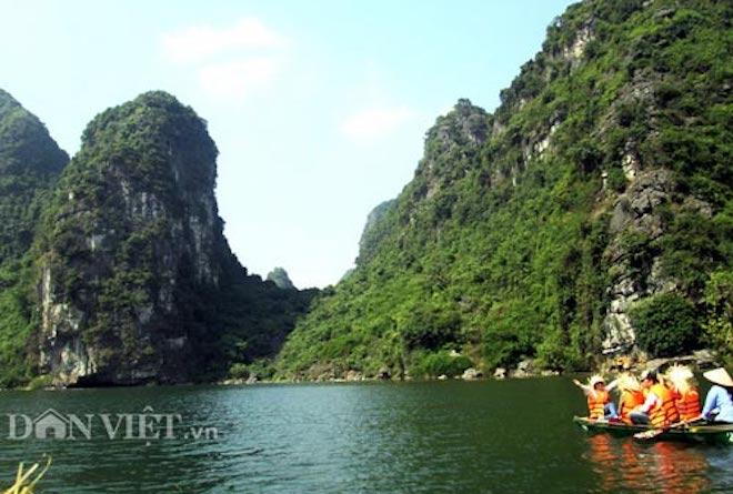 Đến Ninh Bình khám phá cố đô Hoa Lư, lạc trôi giữa Tuyệt Tình Cốc - Hình 1