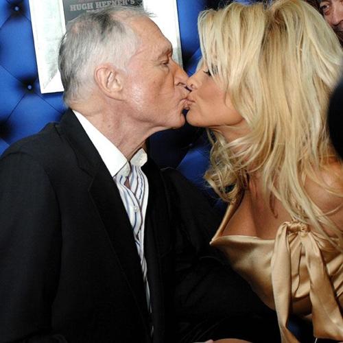 """""""Huyền thoại bom sex"""" kể chuyện suýt sa ngã cùng ông chủ Playboy"""