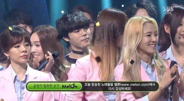 Những lần idol Hàn bị tố bẩn tính khi thái độ với đồng nghiệp ngay trên sân khấu - Hình 8