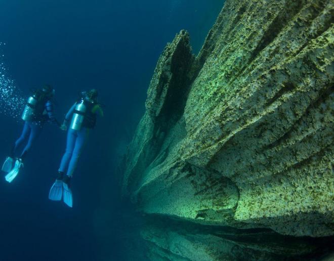 Coron – đảo thiên đường đẹp không thua Maldives của Philippines - Hình 10