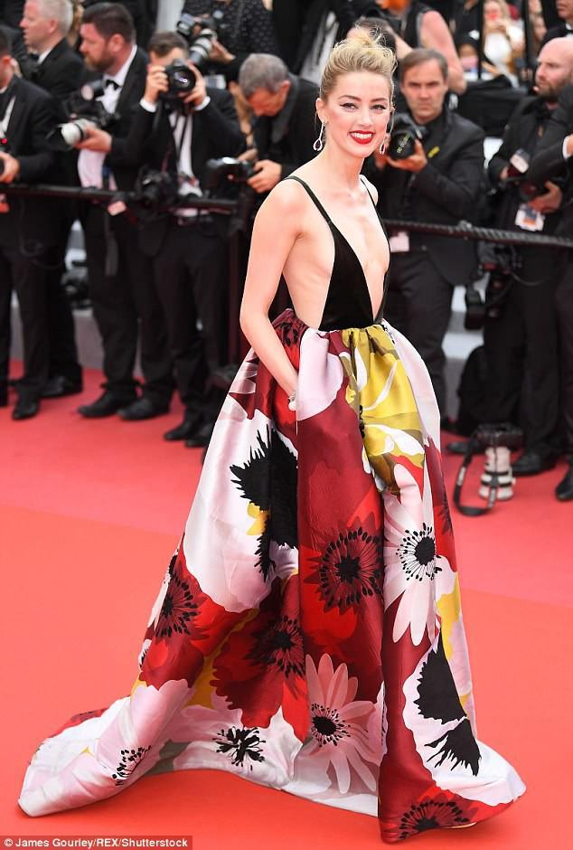 Thảm đỏ LHP Cannes ngày 3: Không có Phạm Băng Băng, mỹ nhân Thái Lan trở thành ngôi sao Châu Á thống trị thảm đỏ Cannes - Hình 7