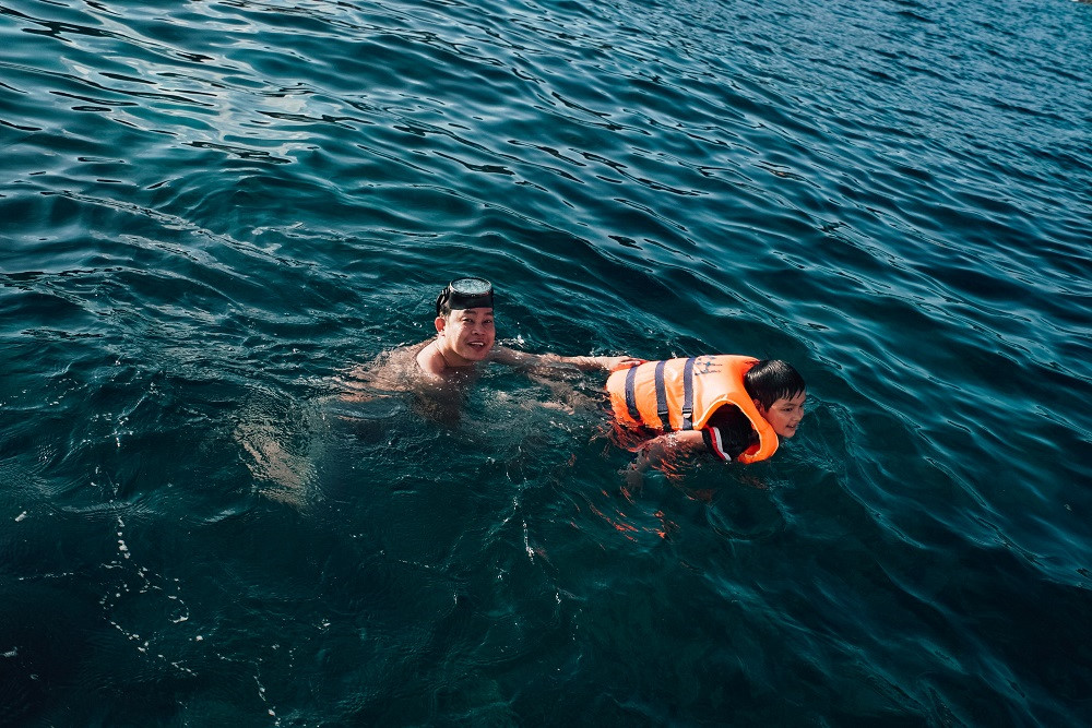 Đắm mình trong vẻ đẹp thanh bình trên đảo Bình Hưng - Hình 9