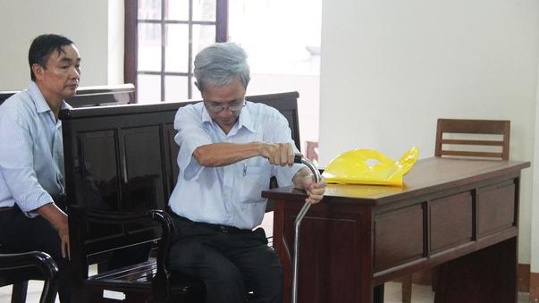 Tòa tối cao rút hồ sơ vụ ông Nguyễn Khắc Thủy dâm ô trẻ em - Hình 2