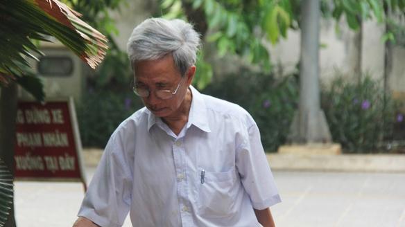 Tòa tối cao rút hồ sơ vụ ông Nguyễn Khắc Thủy dâm ô trẻ em - Hình 1