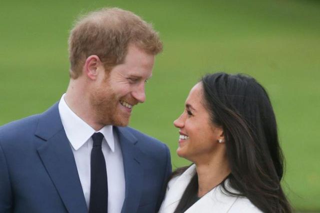 """Cha hôn thê của Hoàng tử Anh Harry bị """"tố"""" dàn dựng ảnh để nhận tiền - Hình 2"""