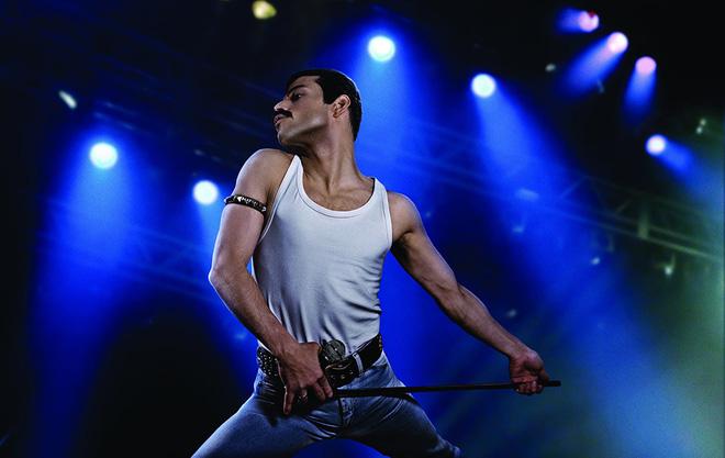 Nổi da gà nghe lại kiệt tác rock-guitar hay nhất mọi thời đại trong phim Bohemian Rhapsody - Hình 4