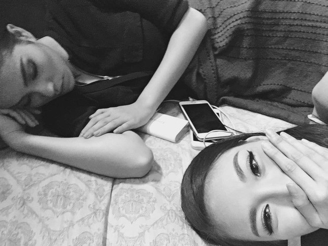 1001 dáng ngủ siêu khó đỡ của sao Việt: Cứ đặt lưng xuống là ngủ bất kể địa hình! - Hình 16