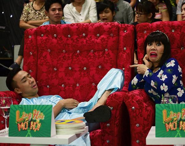 1001 dáng ngủ siêu khó đỡ của sao Việt: Cứ đặt lưng xuống là ngủ bất kể địa hình! - Hình 7