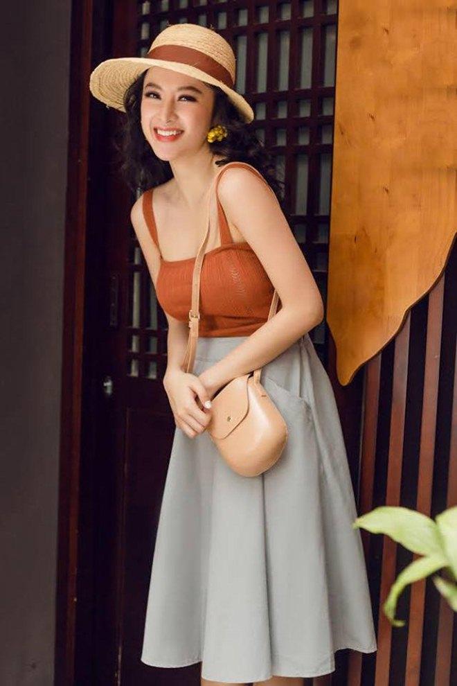 Angela Phương Trinh chơi trội khi diện bikini nóng bỏng, đội nón lá - Hình 8
