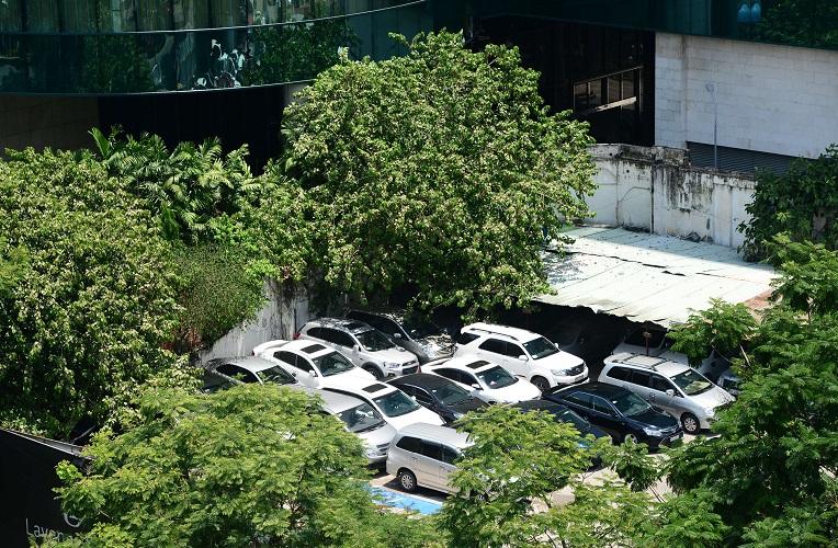 """Bãi giữ xe trong khu """"đất vàng"""" 2.000 tỷ đồng của ông chủ Kinh Đô - Hình 5"""