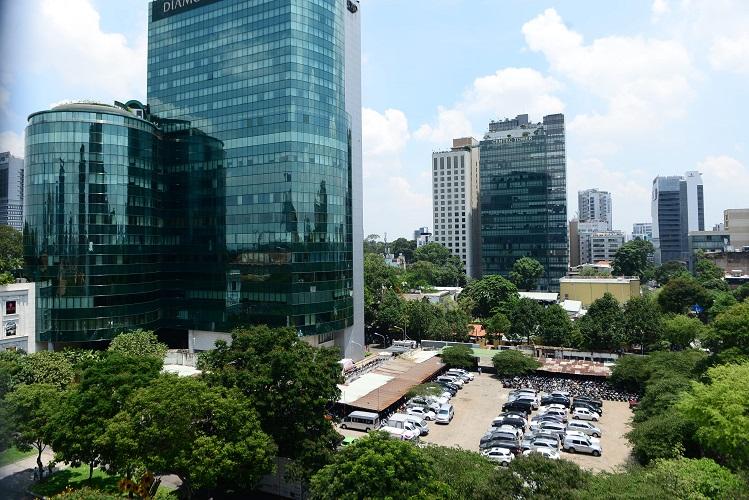 """Bãi giữ xe trong khu """"đất vàng"""" 2.000 tỷ đồng của ông chủ Kinh Đô - Hình 3"""
