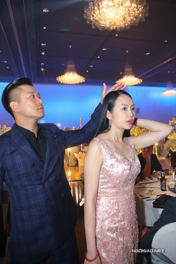 Vợ chồng Tuấn Hưng cùng dàn sao tới chúc mừng Lâm Vũ - Hình 2