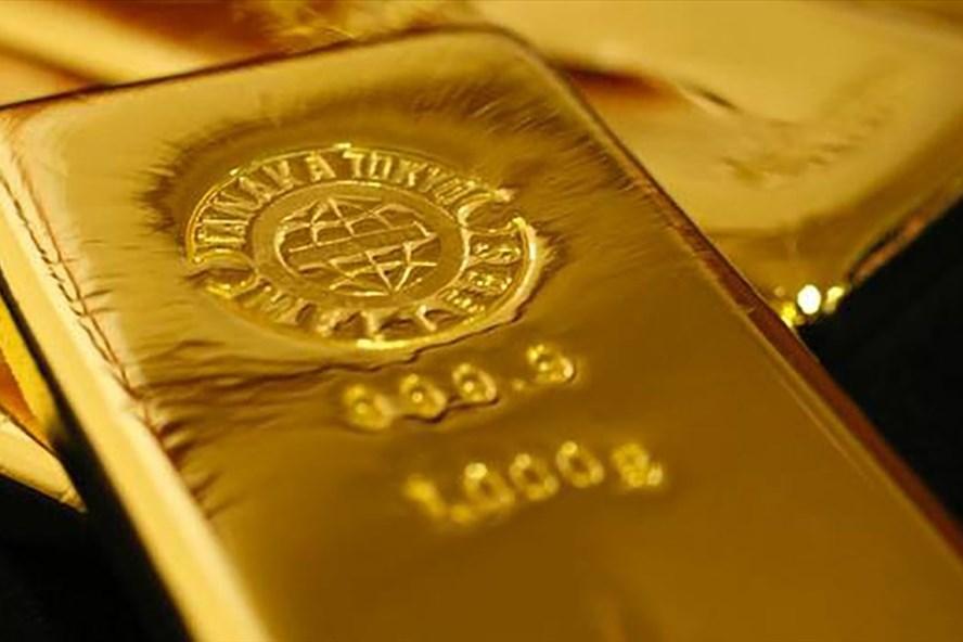 Giá vàng thế giới hôm nay: Rơi không thấy đáy, xuyên thủng mốc 1300 USD/ounce - Hình 1