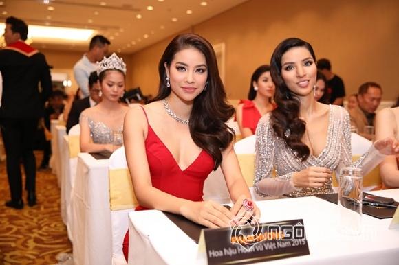 Phạm Hương lưng trần ngọc ngà, 'lơ đẹp' Hoa hậu Thu Hoài tại sự kiện - Hình 8