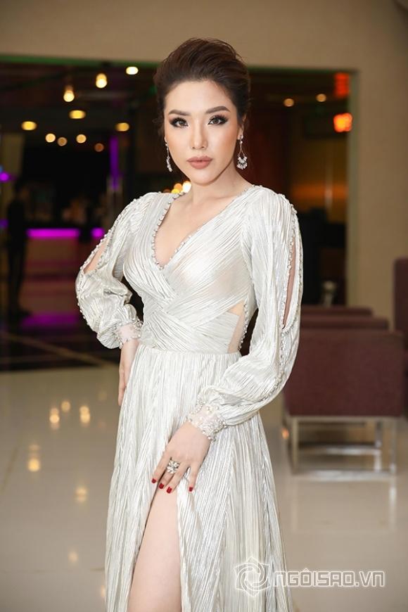 Phạm Hương lưng trần ngọc ngà, 'lơ đẹp' Hoa hậu Thu Hoài tại sự kiện - Hình 17